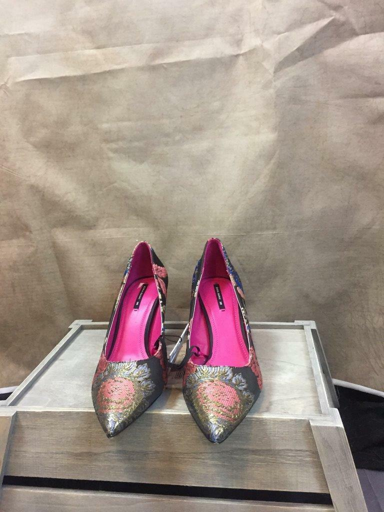 ZARA FLORAL EMBROIDEROT HIGH HEEL Schuhe SIZE UK 6 EUR 39 REF: 6258 201