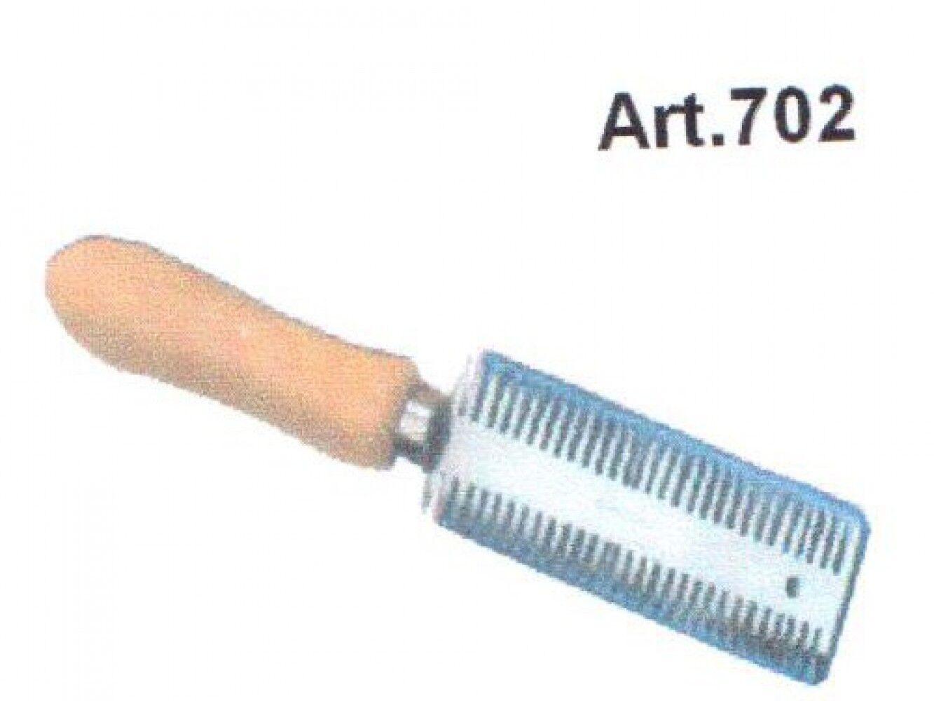 Propósito de peine doble cara de acero con mango de madera Romi