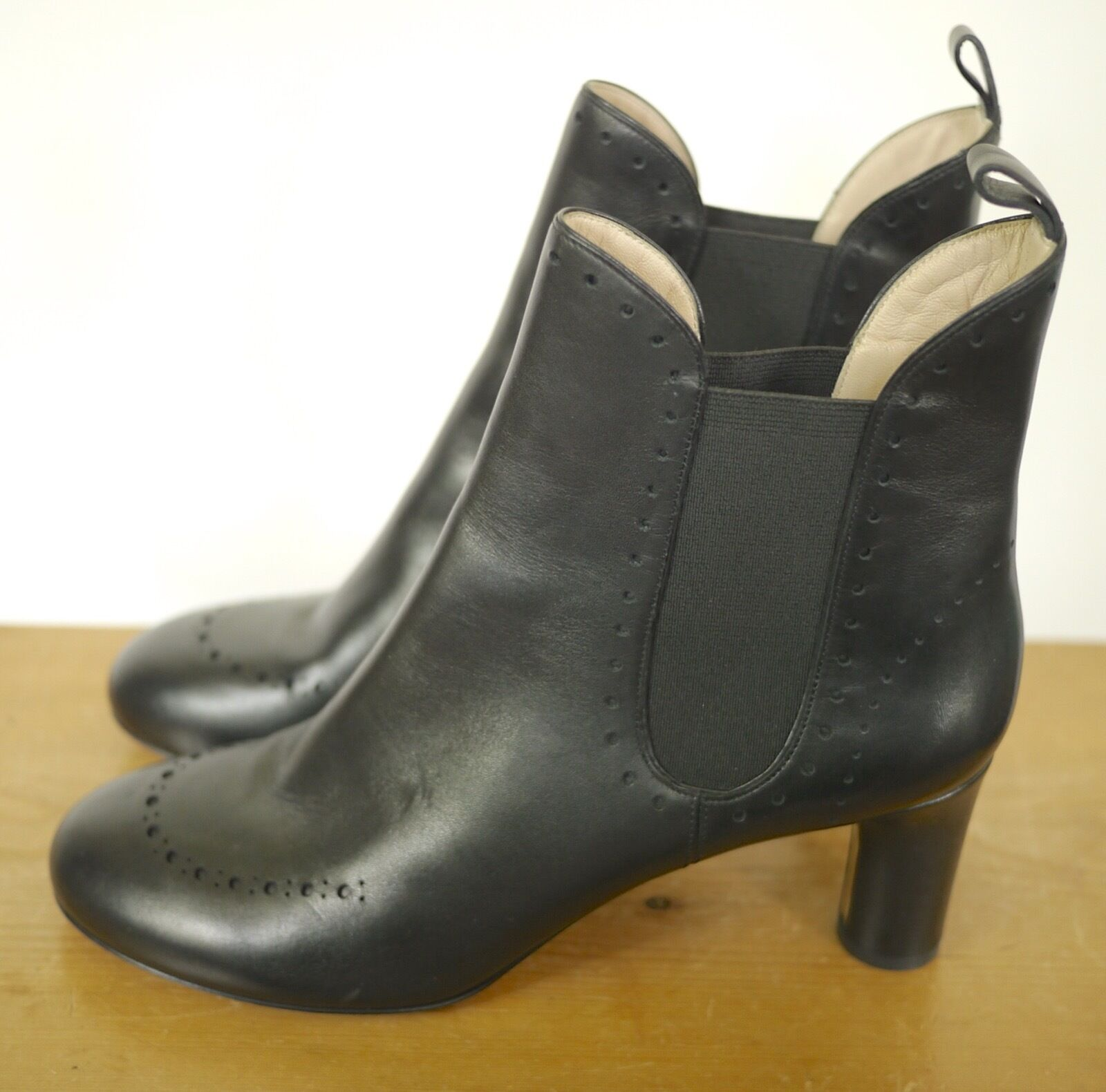 BALLY  Black Leather Wingtip Style High Heel Ankle Womens Boots 11 41.5