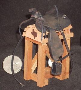 Dollhouse-Miniature-Cowboy-Western-Saddle-Old-Worn-Black-1-12-Horse-Animal-Rodeo