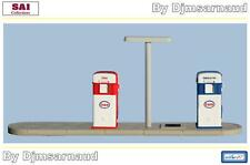 Set de 2 Distributeurs D'essence SATAM ESSO SAI Rétro 87 - 1085 - Echelle 1/87