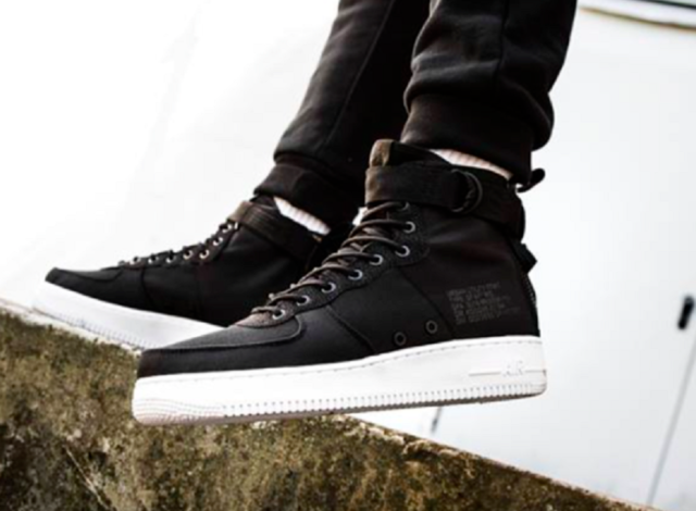 "Nike SF Af1 Air Force 1 Mid Nylon ""blackwhite"" UK 8 EUR 42.5 US 9 Cm 27"