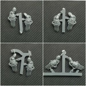 Space-Marine-Bits-Vanguard-Veterans-Lightning-Claw-Pairs