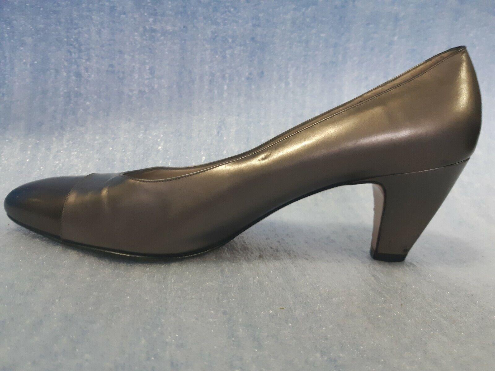 Salvatore Ferragamo Vintage kvinnor Bronze klackar Kitten Pump Storlek Storlek Storlek 7 AA  kolla in det billigaste
