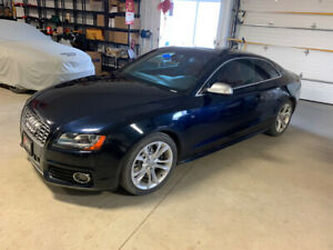 2010 Audi S5 dealer maintained, 124000 KM red interior