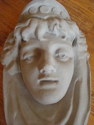 Fassadenstuck - Wunderschöner Frauenkopf, Wandschmuck Aus Beton Für Fassade
