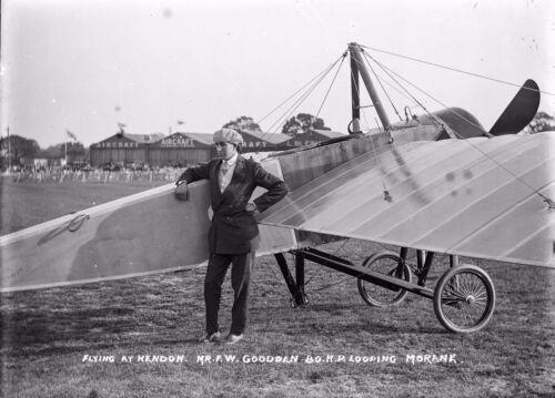 AV 07PHOTO OF EARLY AVIATION FRANK GOODDEN WITH MORANE AIRCRAFT AT HENDON c 1913