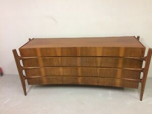 b2faa550d1f2 EXCEPTIONAL   RARE MID CENTURY DRESSER IN BOOK-MATCHED WALNUT BY ...