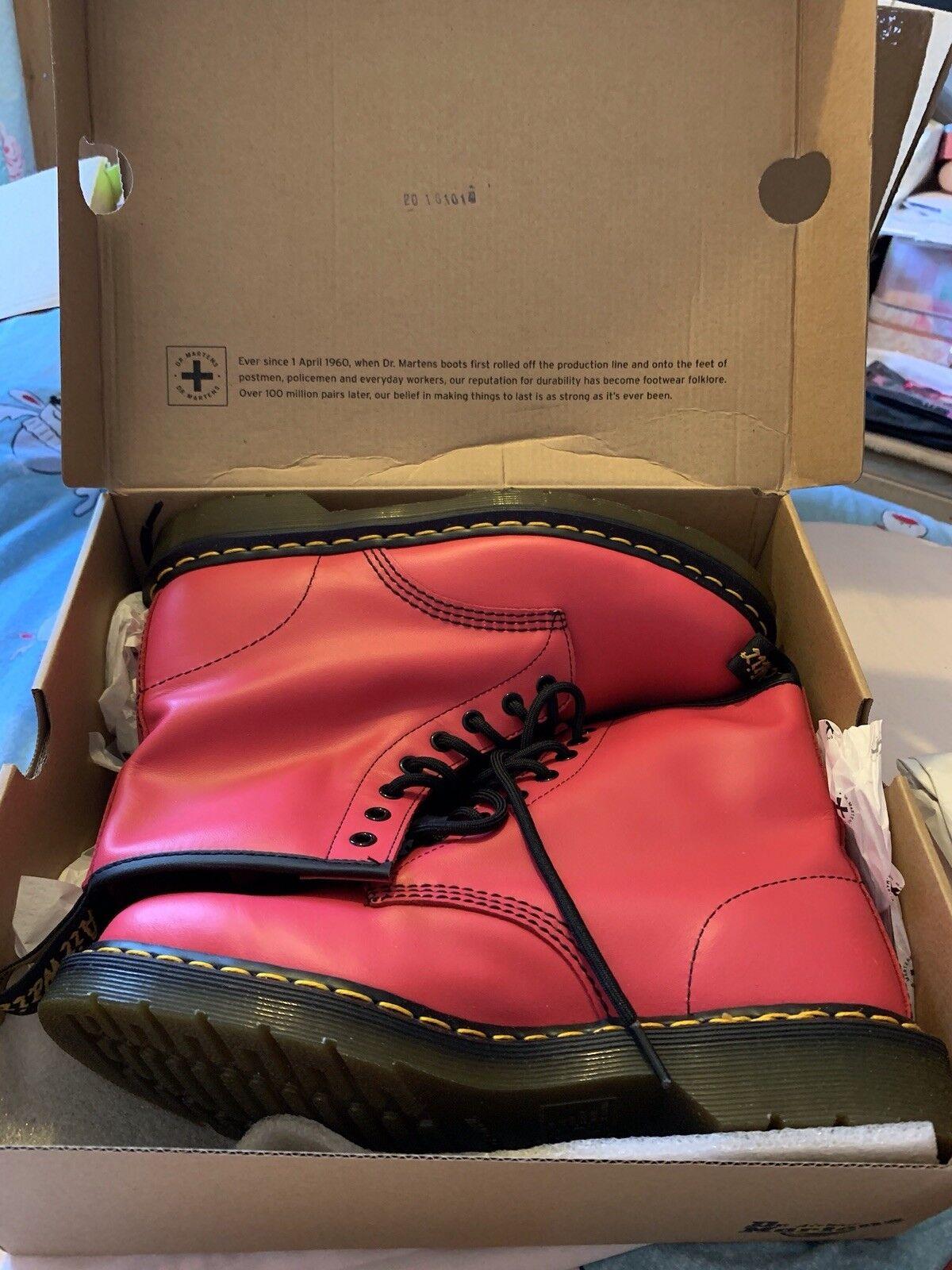Dr Martens Neón rosado Talla 9 43 43 43 nuevos y en caja Softy T.  mas preferencial