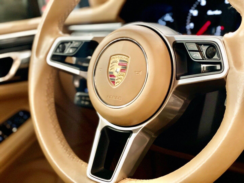 Porsche – Macan Turbo