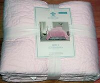 Simply Shabby Chic Quilt White Ruffle, Country Paisley, Rose Stitch Pink