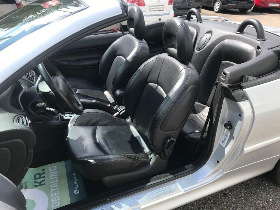 Peugeot 206 1,6 16V CC aut. Benzin aut. Automatgear modelår