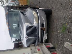 2005 international  tow truck  4 car carrier