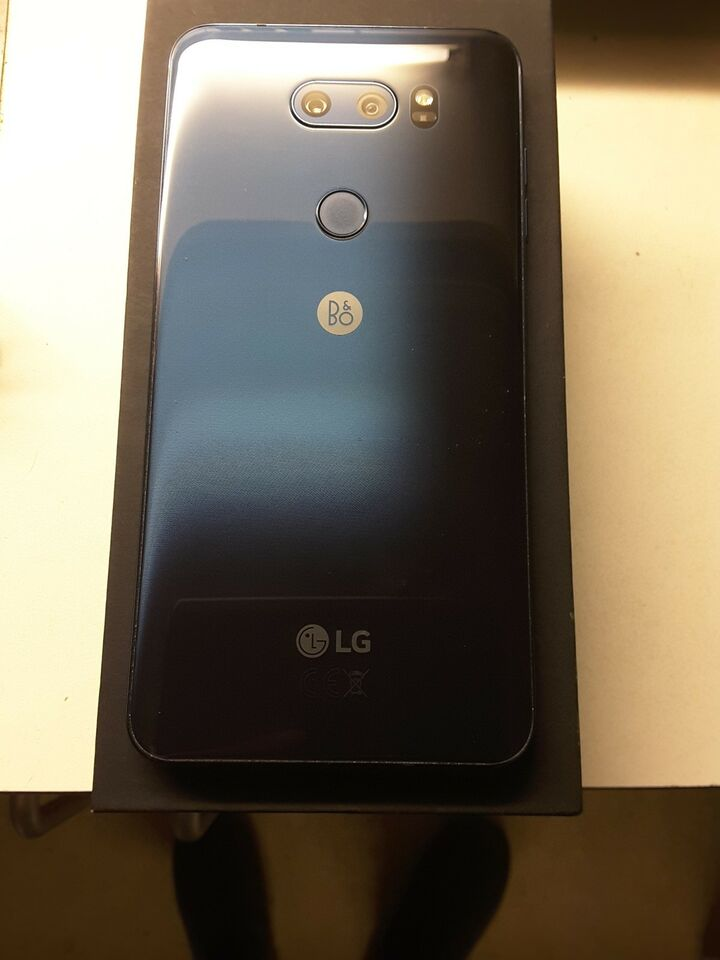 LG V30 4GB RAM ANDROID 8.0, 64GB + 4K 128GB for 250KR , Perfekt