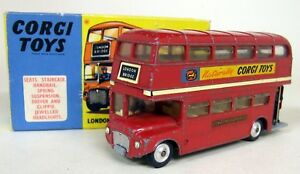 Corgi-Toys-Vintage-468-London-Transport-Routemaster-Bus-Diecast-Model-Bus