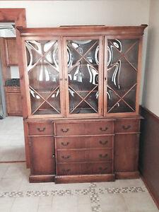 Saginaw Furniture Breakfront With Curved Glass Antique Vintage Ebay