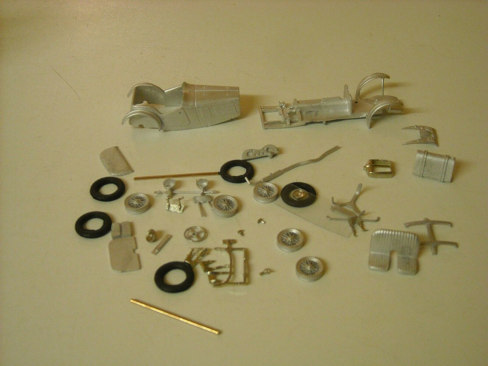 MG J3 Midget with cycle wings kit, 1 43rdscale by K&R Replicas