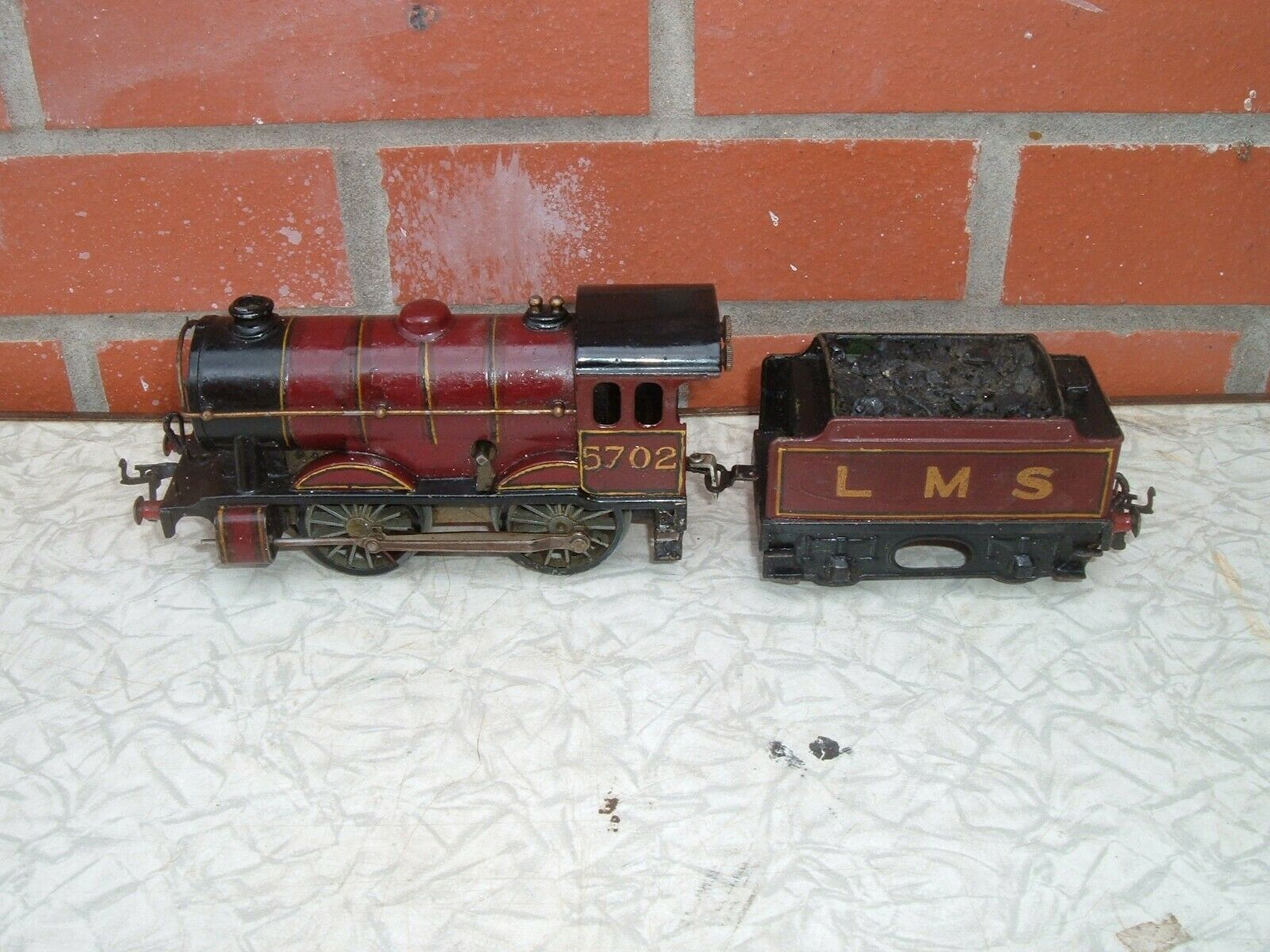 HORNBY O GAUGE NO1 SPECIAL WITH TENDER TO RESTORE NOT WORKING NO KEY PAINTED