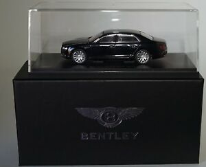 05561nx-Bentley-Flying-Spur-W12-Onyx-Negro-en-1-43-Escala