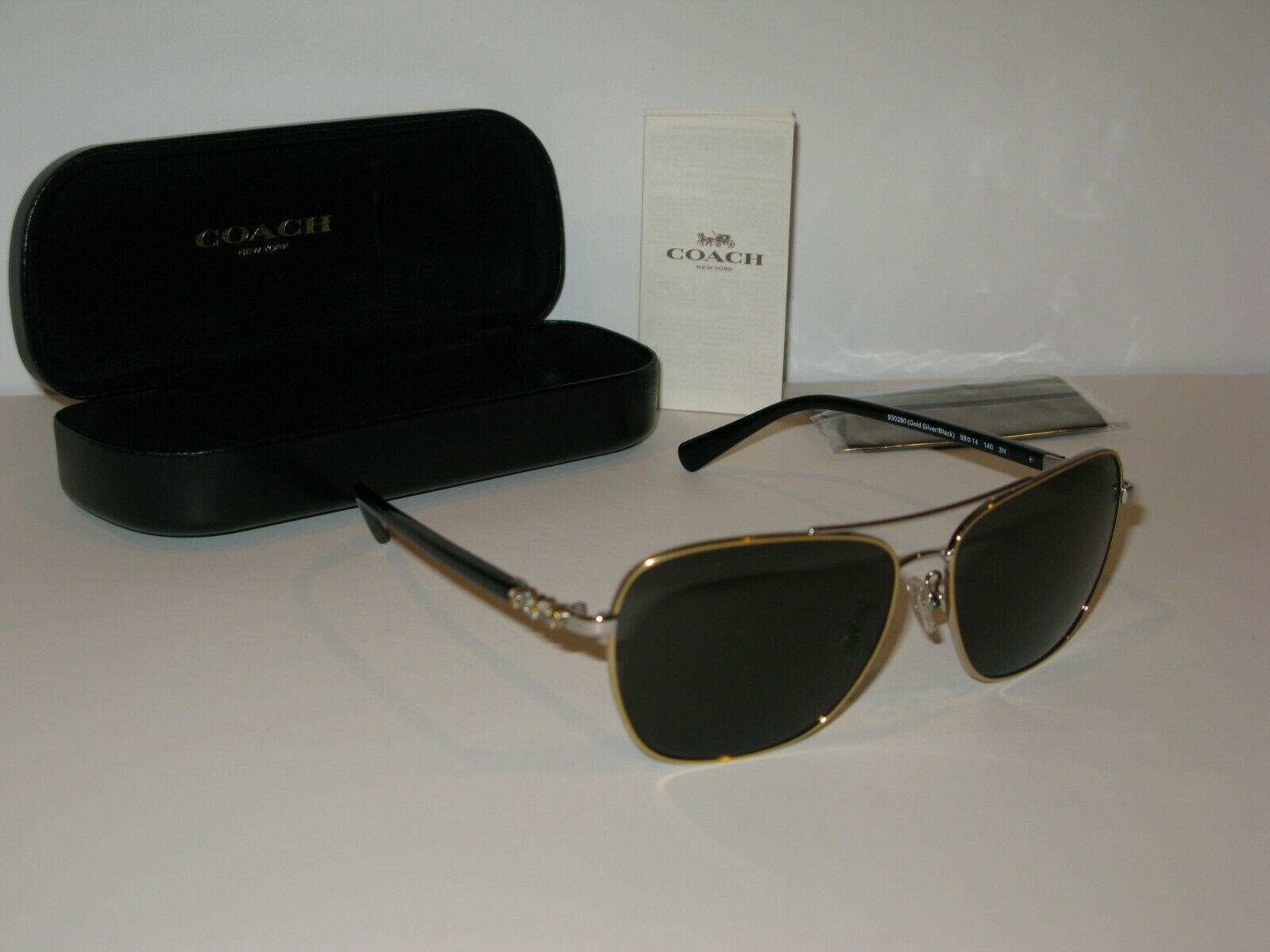 Coach Women's Sunglasses with Case and Cloth. HC7073B (L1637).