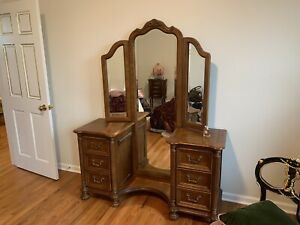 Vintage Antique Dresser Vanity Table W