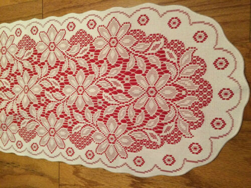 Heritage Lace Polyster Red /& White Poinsettia Oval Runner 14 x 36 335