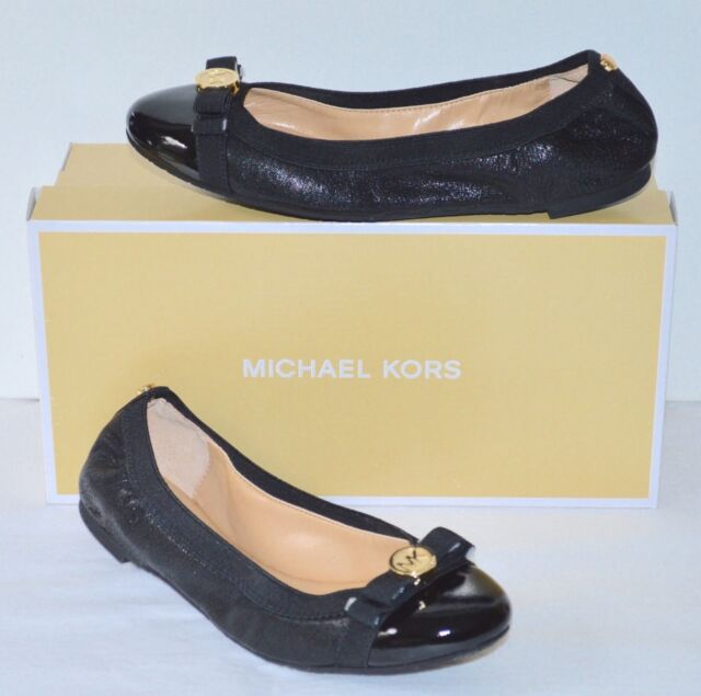 ec517cb6a947 New  120 Michael Kors Dixie Ballet Black Leather Patent Toe Flats Gold  Charm Bow