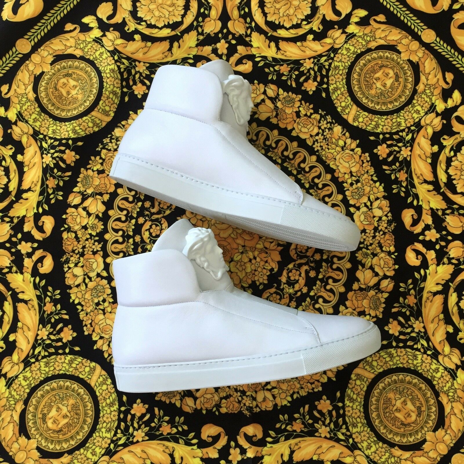 NWT DS Versace Palazzo Medusa Triple White High Top Leather Sneakers 8 AUTHENTIC