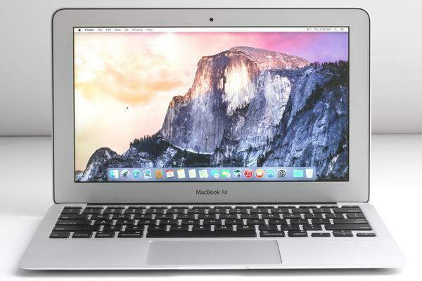 "Apple MacBook Air 11.6"" Core i5 1.3ghz 4GB 128GB (June,2013) A Grad 6 M Waranty"