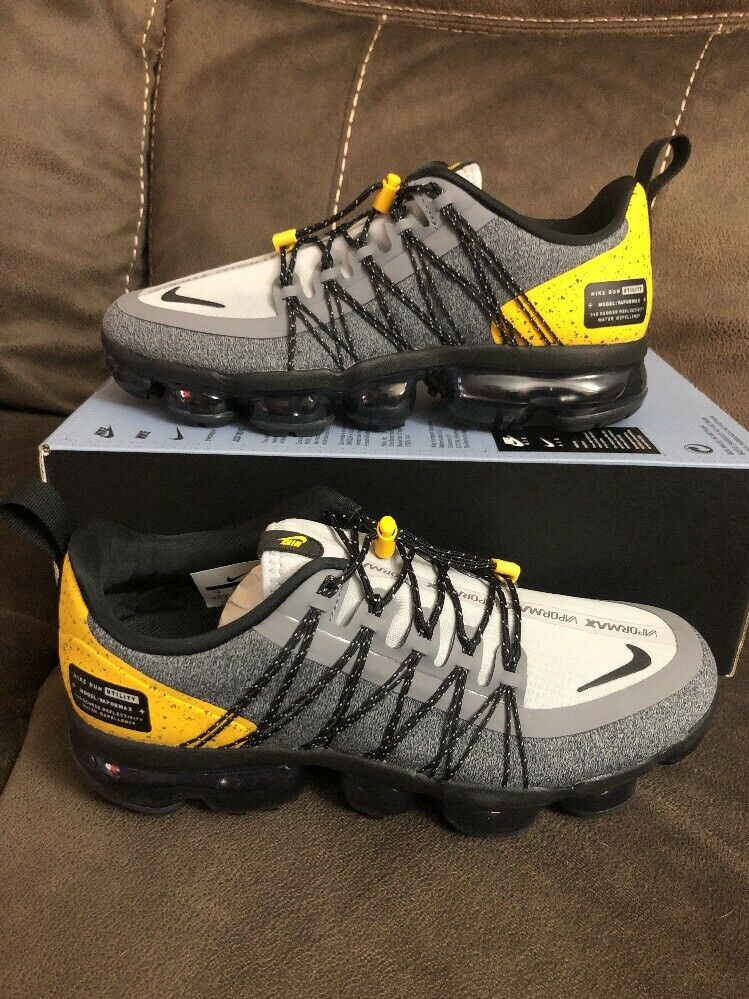 Nike Air Vapormax Run Utility Size 11 Wolf Grey black Yellow AQ8810-010