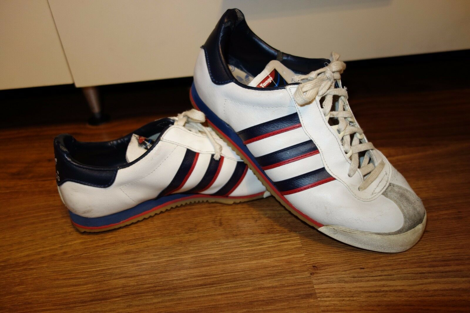 VINTAGE VERY RARE '70 ADIDAS AUCTION MADE IN ROMANIA, SIZE 3.5,