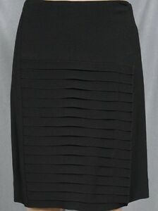 PER-SE-BLACK-STRAIGHT-SKIRT-WITH-PLEAT-DETAIL-size-4-6-NEW-315