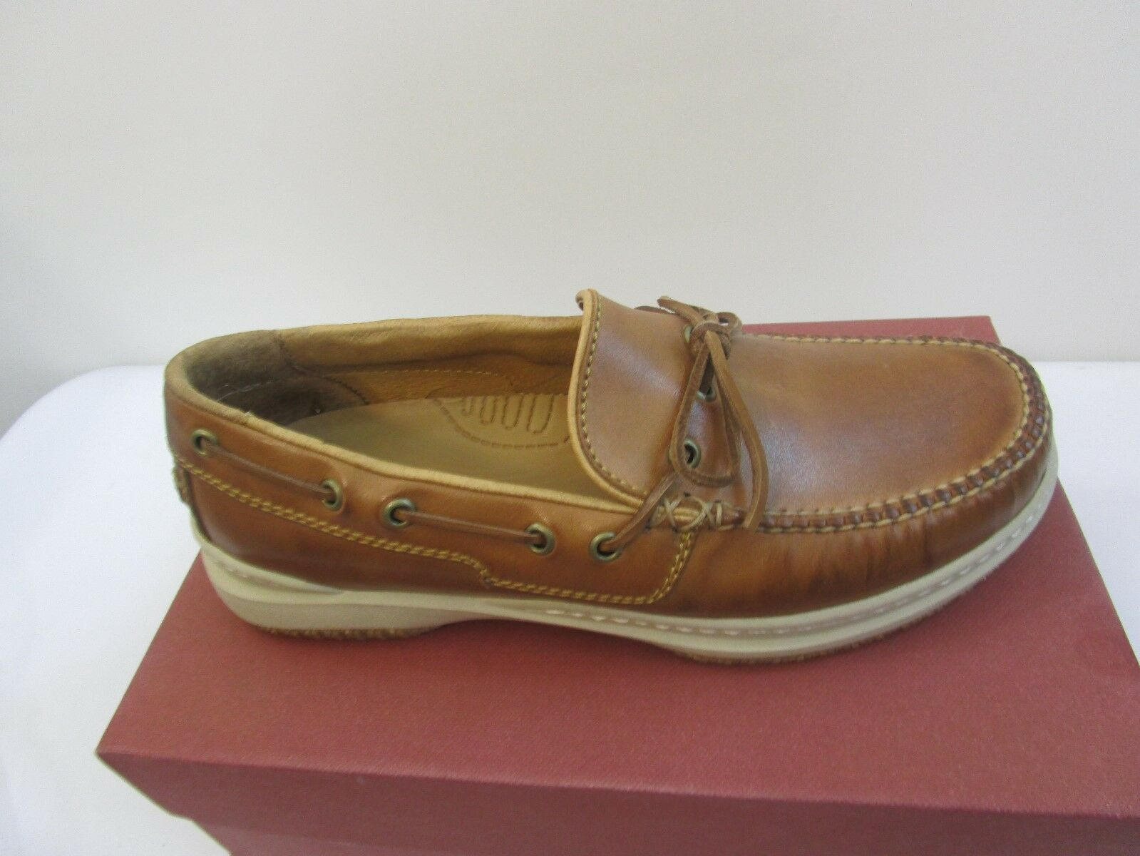 ACORN  MEN'S LEATHER CASUAL CAMP MOC SHOES NEW IN BOX  SZ 7.5