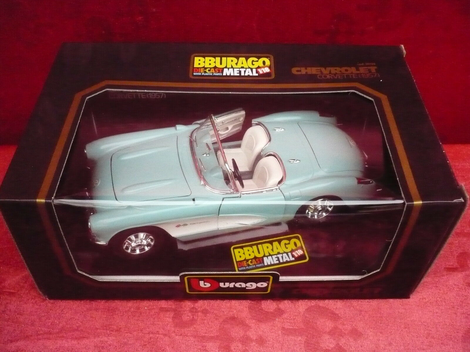 Nice Maquette de Voiture __Bburago__ Chevrolet Corvette 1957__ Métal 1 18