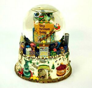 BLOOMINGDALE-039-S-Big-Brown-Bag-NYC-Central-Park-TWIN-TOWERS-Musical-SNOW-GLOBE