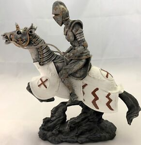 Medieval-Knight-Crusader-9-034-Figurine-Suit-of-Armor-on-Caped-Horse-Back