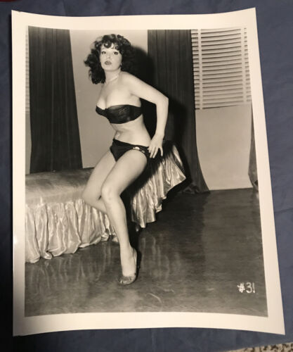BLAZE STARR VINTAGE 8x10 PHOTOGRAPH FROM IRVING KLAWS ARCHIVES #31