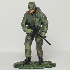 Frontline-Figures-DeAgostini-54mm-1-32-Elite-Troops-013-Pararescueman-USA
