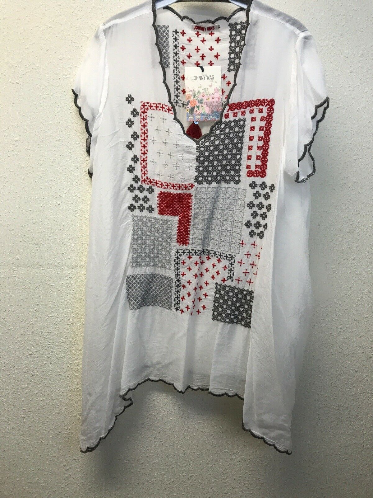 NWT JOHNNY WAS White Short Sleeved Pima tunic Embroidery L White Scallop Edge
