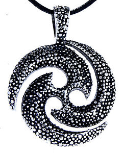 Triskele Dreier Spirale Keltisches Symbol Anhänger Edelstahl Band