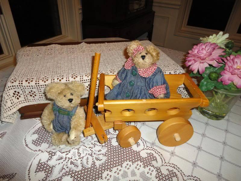 Boyds Bear Lot of 2 Boy And Girl Teddy Bear Retirosso
