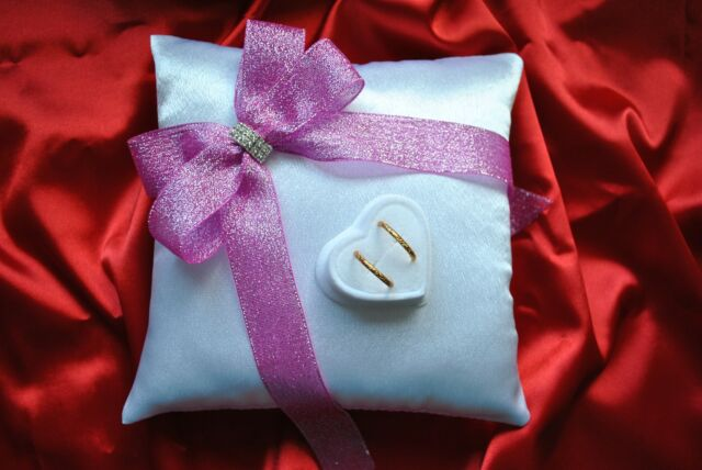 Wedding ring cushion with rings holder / shiny ribbon and crystal - 4 colors