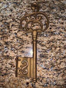Vintage Wrought Iron Skeleton Key Wall
