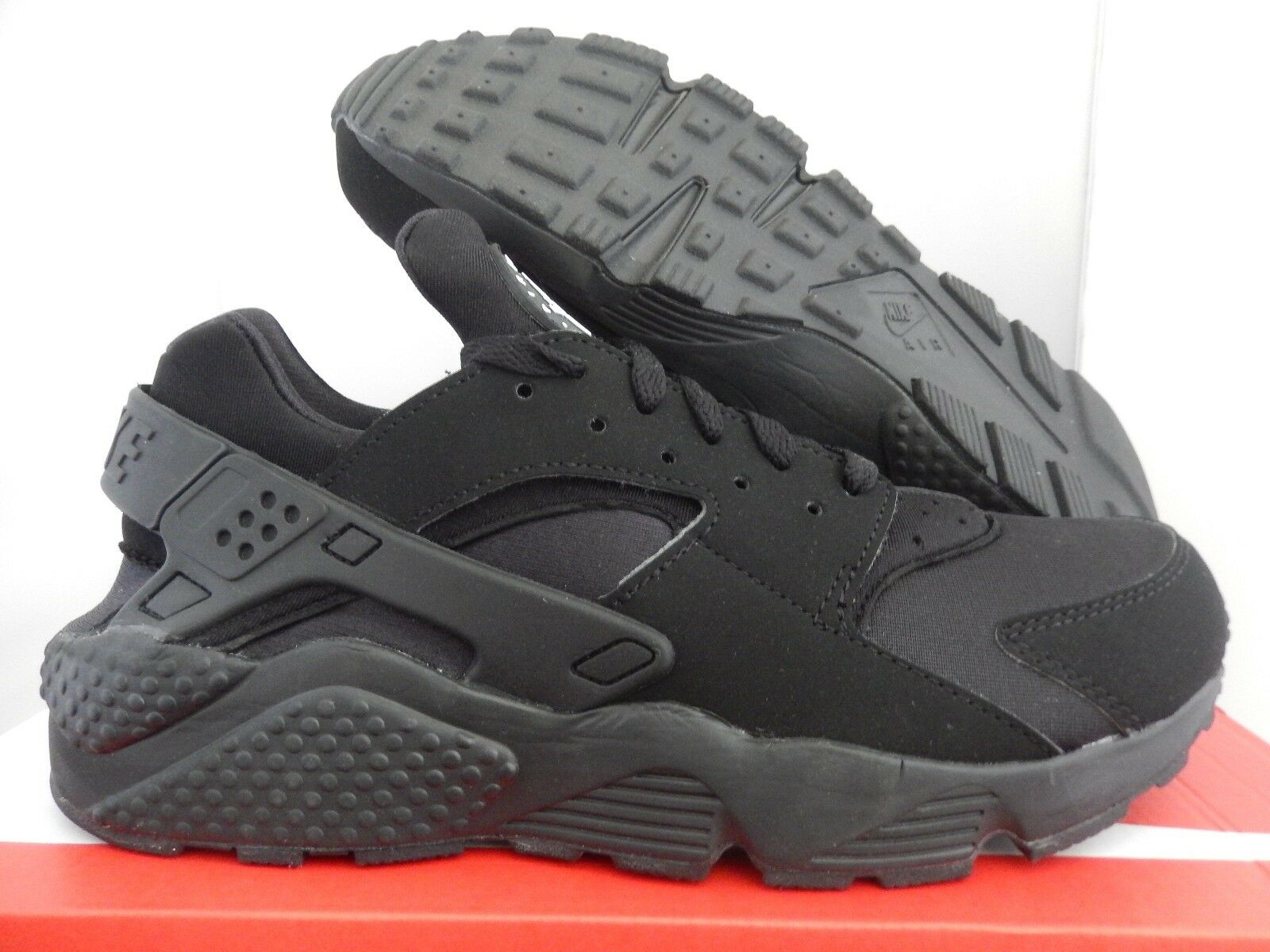 NIKE AIR HUARACHE BLACK-BLACK-WHITE SZ 9 [318429-003]