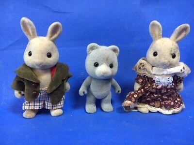 Abile Sylvanian Families Famiglia Assortiti Figure Varie Pervinca Coniglio X 2 + Orso-mostra Il Titolo Originale Colori Armoniosi