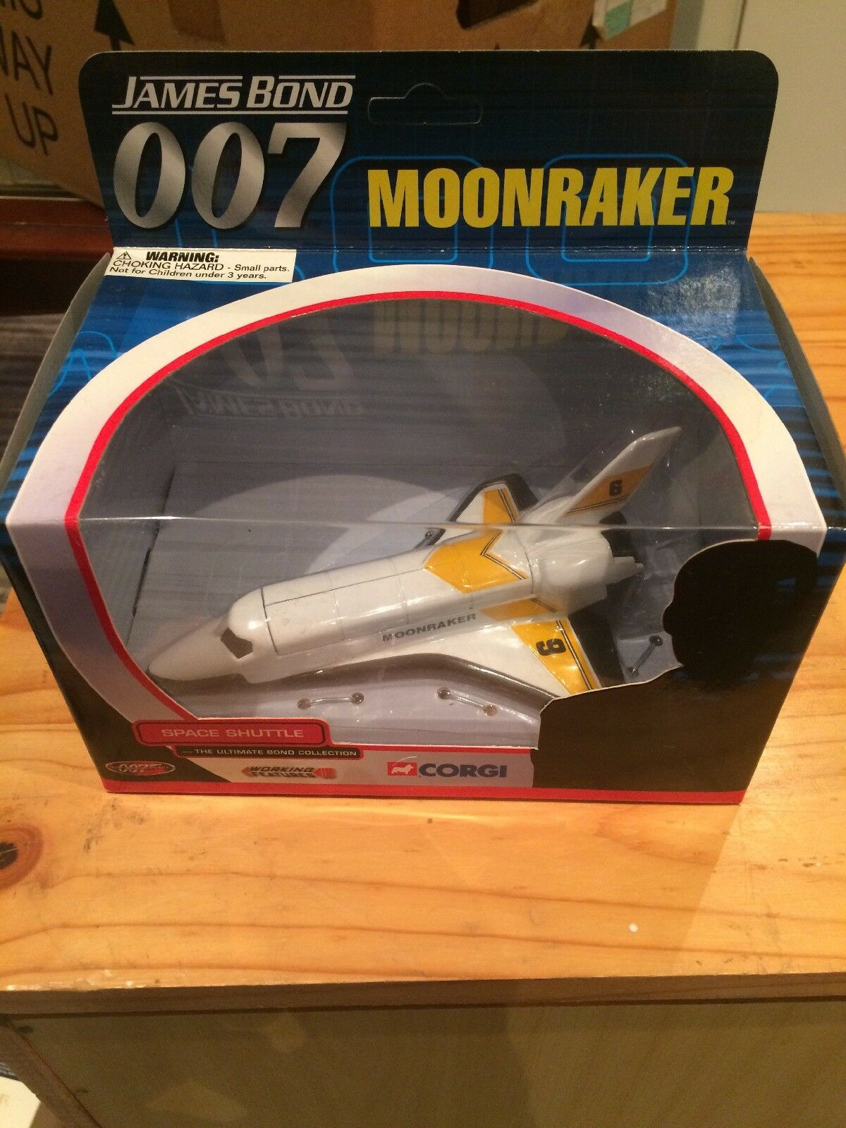CORGI JAMES BOND 007 SPACE SHUTTLE MOONRAKER TY04002