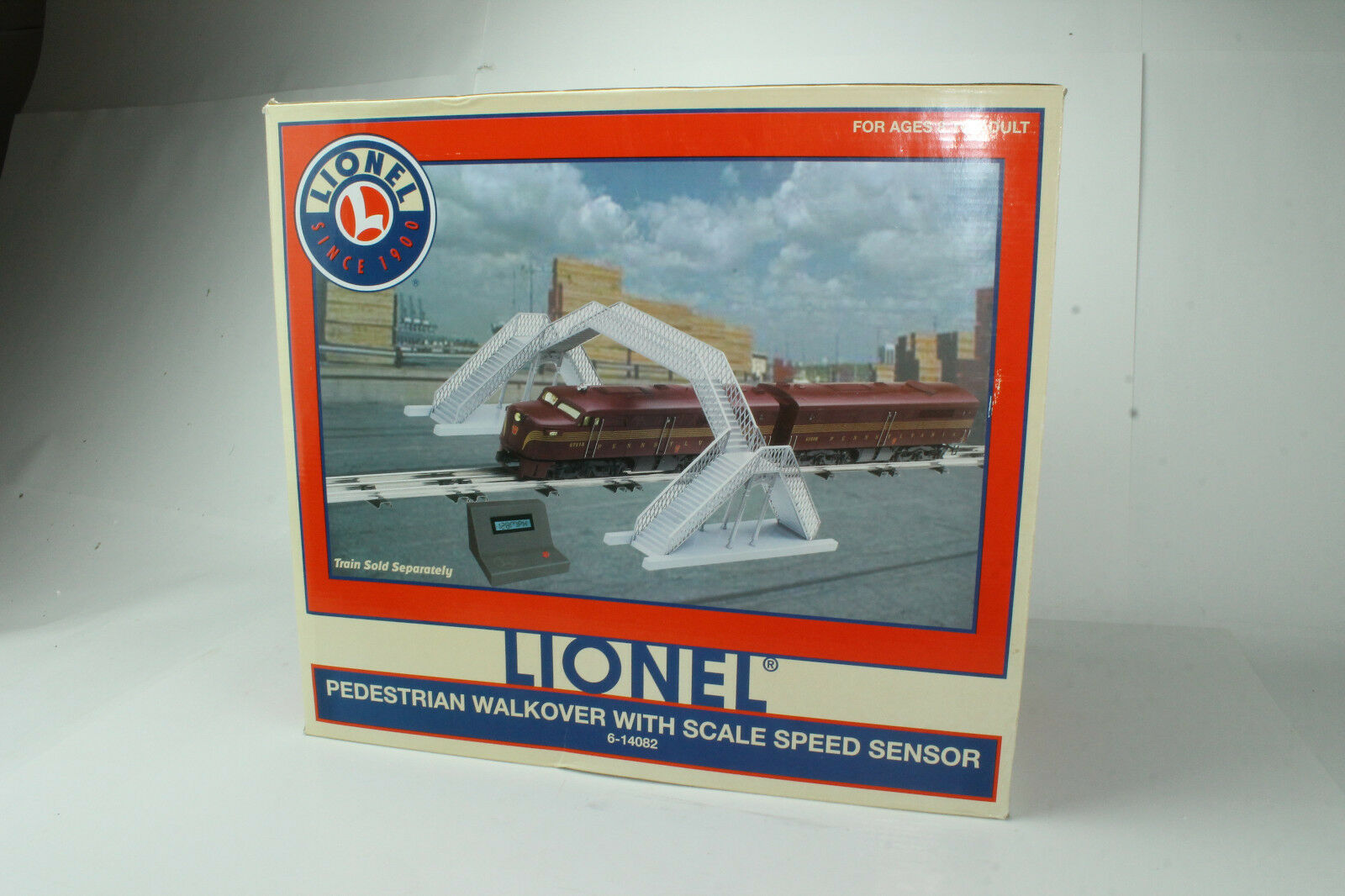 LIONEL  6-14082 PEDESTRIAN WALKOVER WITH SCALE SPEED SENSOR, NEW IN BOX
