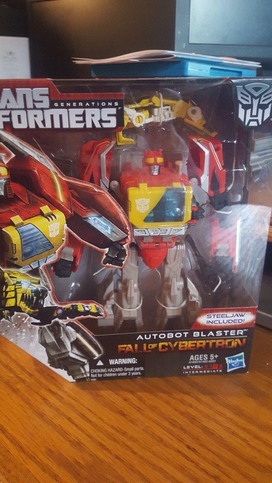 Transfromers Generations Fall of Cybertron Autobot Blaster misp
