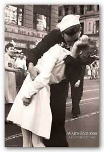HISTORY-POSTER-New-York-War-039-s-End-Kiss-Lt-Victor-Jorgensen