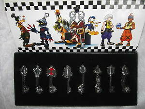 Lot 8pcs Kingdom Hearts 2 II Sora Metal Weapon Set New